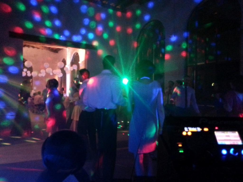 Dancefloor pour un mariage au Château du Bourg
